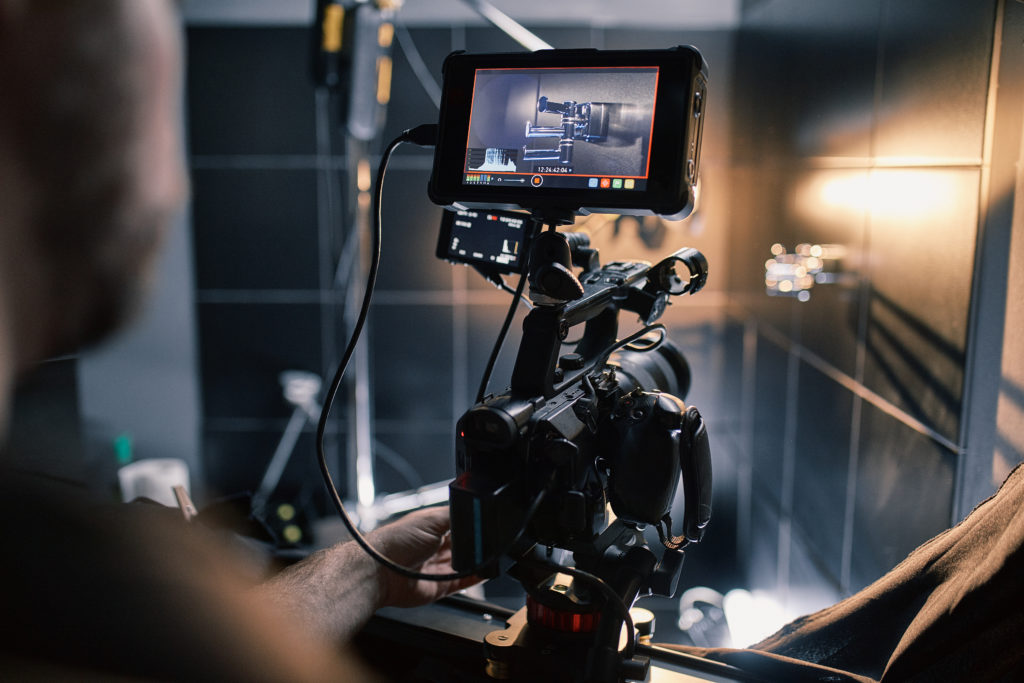 Keep all your best work stored and use it in a visume! This is how a filmmaker can pitch his experience with film direction.
